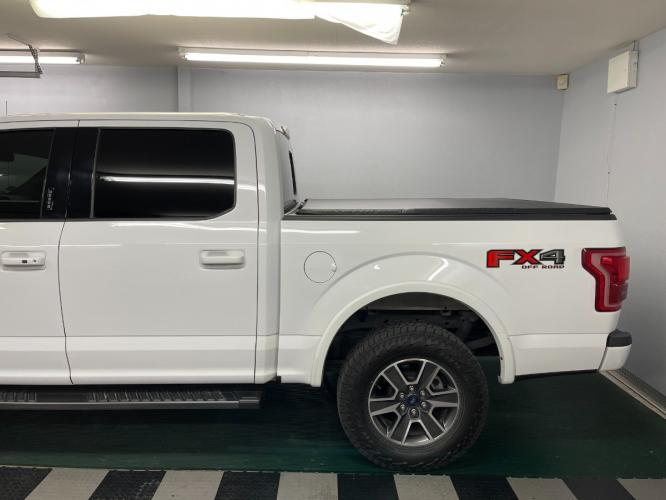 2017 Oxford White /Black Leather Ford F-150 Lariat FX4 (1FTEW1EGXHK) with an 3.5L V6 TURBO engine, Automatic transmission, located at 9900 Woodway Drive, Woodway, TX, 76712, (254) 751-1444, 31.493961, -97.228523 - Photo #3