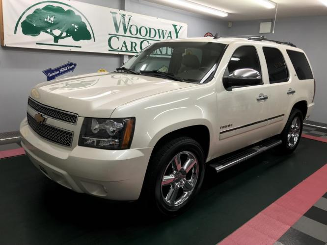 2014 White Diamond Pearl /Cashmere Leather Chevrolet Tahoe LTZ (1GNSCCE06ER) with an 5.3L V8 OHV 16V FFV engine, Automatic transmission, located at 9900 Woodway Drive, Woodway, TX, 76712, (254) 751-1444, 31.493961, -97.228523 - Photo #0