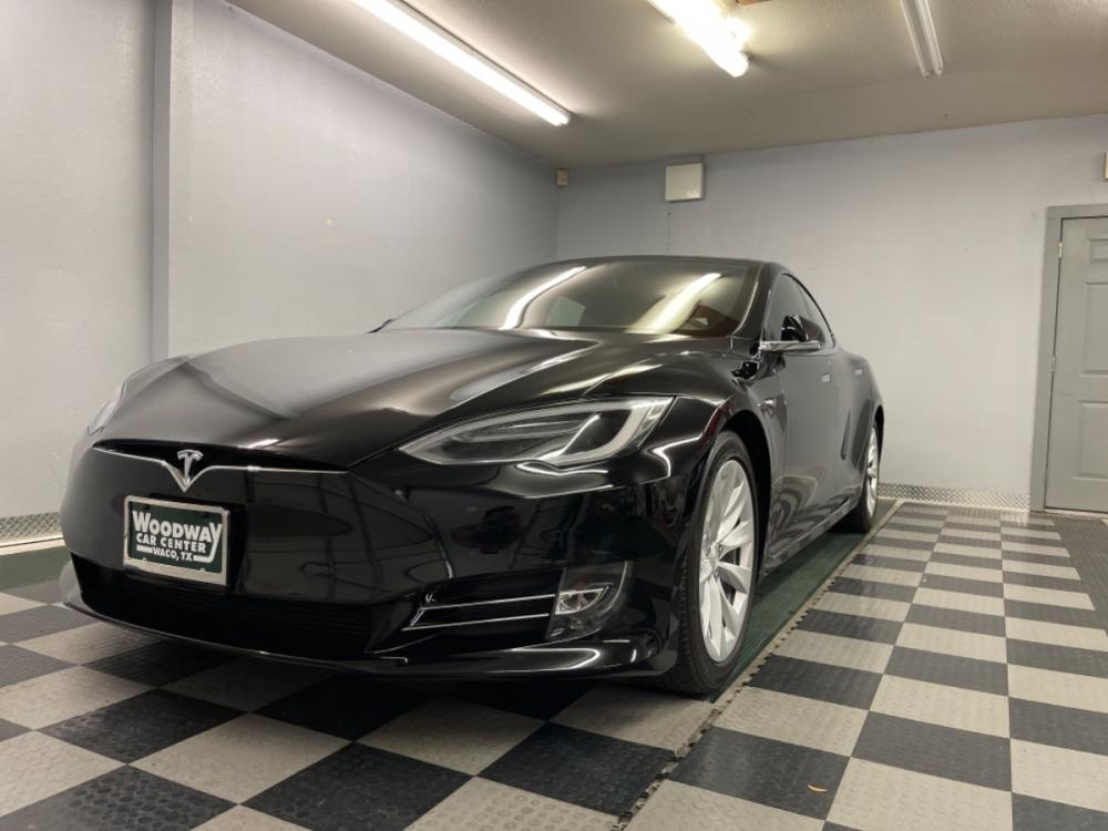 2018 Black /Black Leather Tesla Model S 100D (5YJSA1E2XJF) with an ELECTRIC engine, Automatic transmission, located at 9900 Woodway Drive, Woodway, TX, 76712, (254) 751-1444, 31.493961, -97.228523 - Photo #0