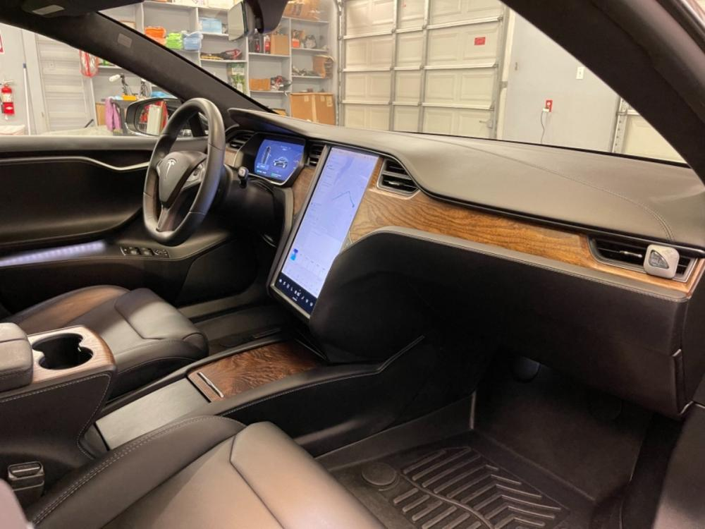 2018 Black /Black Leather Tesla Model S 100D (5YJSA1E2XJF) with an ELECTRIC engine, Automatic transmission, located at 9900 Woodway Drive, Woodway, TX, 76712, (254) 751-1444, 31.493961, -97.228523 - Photo #11