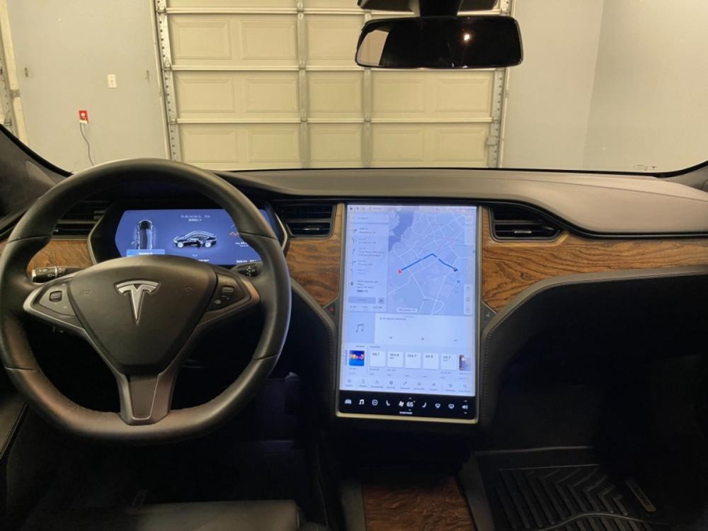 2018 Black /Black Leather Tesla Model S 100D (5YJSA1E2XJF) with an ELECTRIC engine, Automatic transmission, located at 9900 Woodway Drive, Woodway, TX, 76712, (254) 751-1444, 31.493961, -97.228523 - Photo #14