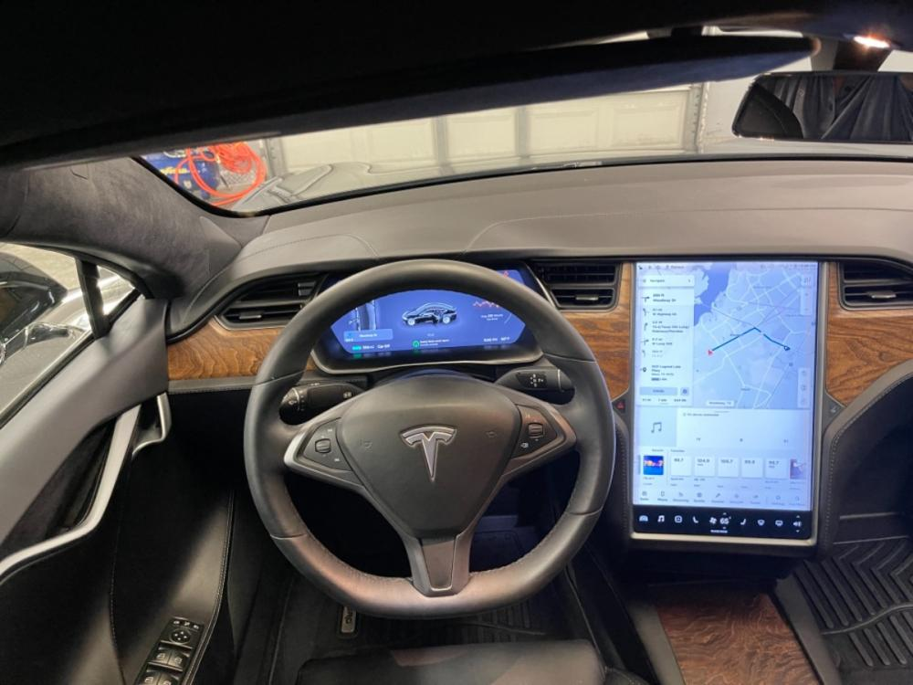 2018 Black /Black Leather Tesla Model S 100D (5YJSA1E2XJF) with an ELECTRIC engine, Automatic transmission, located at 9900 Woodway Drive, Woodway, TX, 76712, (254) 751-1444, 31.493961, -97.228523 - Photo #15