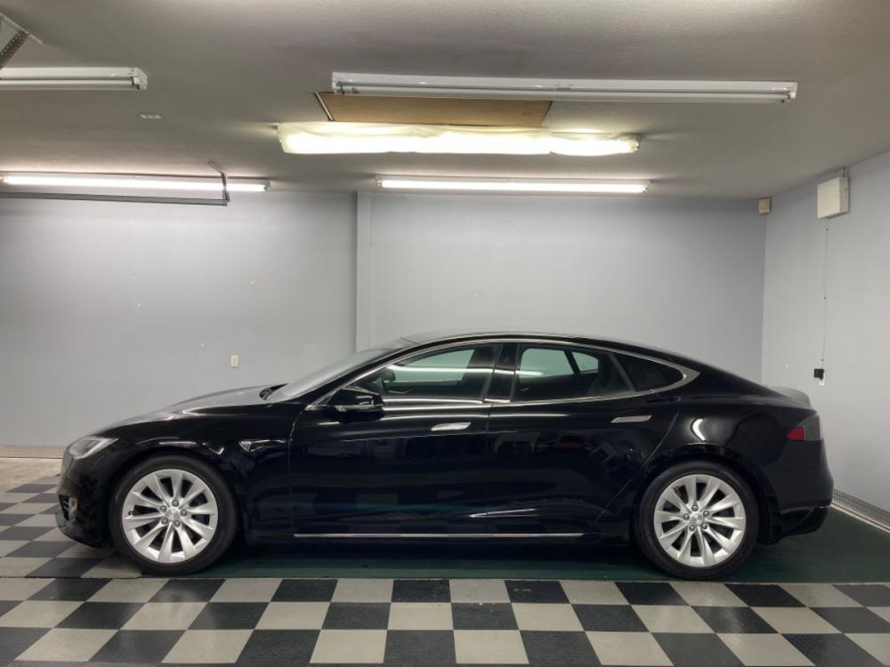 2018 Black /Black Leather Tesla Model S 100D (5YJSA1E2XJF) with an ELECTRIC engine, Automatic transmission, located at 9900 Woodway Drive, Woodway, TX, 76712, (254) 751-1444, 31.493961, -97.228523 - Photo #1