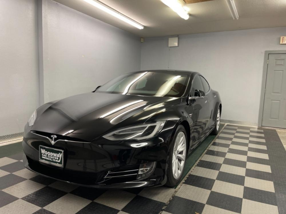 2018 Black /Black Leather Tesla Model S 100D (5YJSA1E2XJF) with an ELECTRIC engine, Automatic transmission, located at 9900 Woodway Drive, Woodway, TX, 76712, (254) 751-1444, 31.493961, -97.228523 - Photo #24