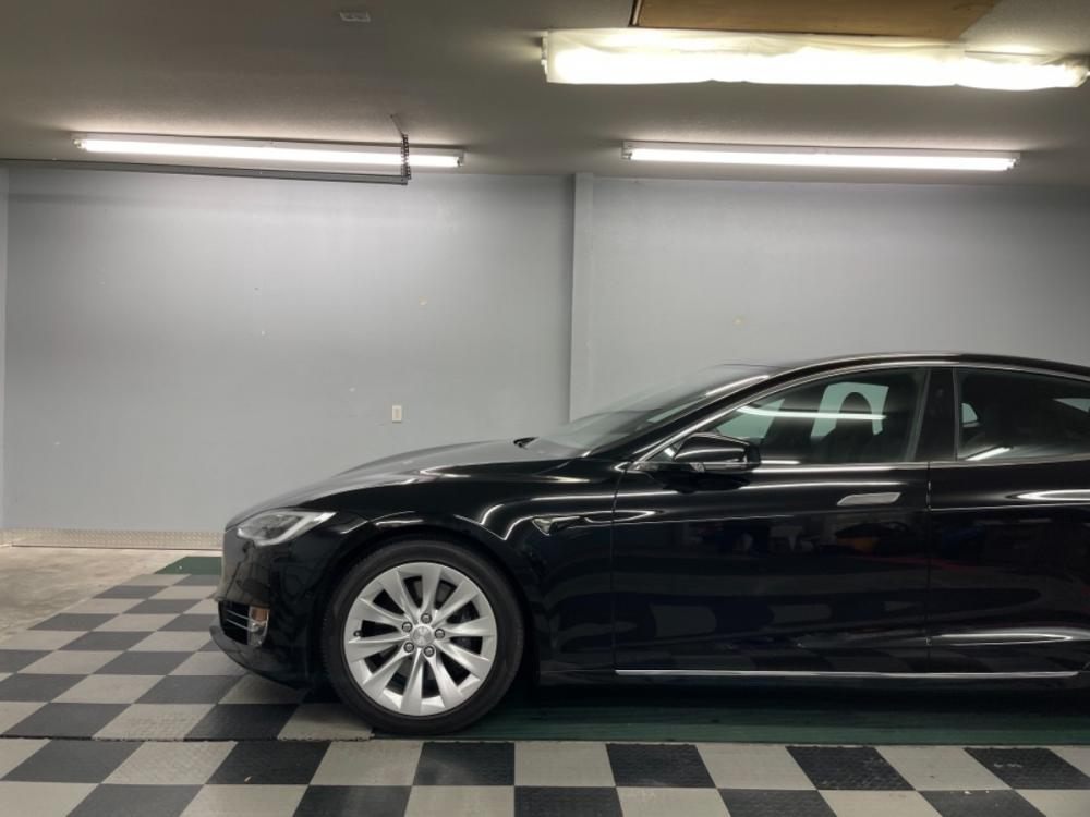 2018 Black /Black Leather Tesla Model S 100D (5YJSA1E2XJF) with an ELECTRIC engine, Automatic transmission, located at 9900 Woodway Drive, Woodway, TX, 76712, (254) 751-1444, 31.493961, -97.228523 - Photo #2