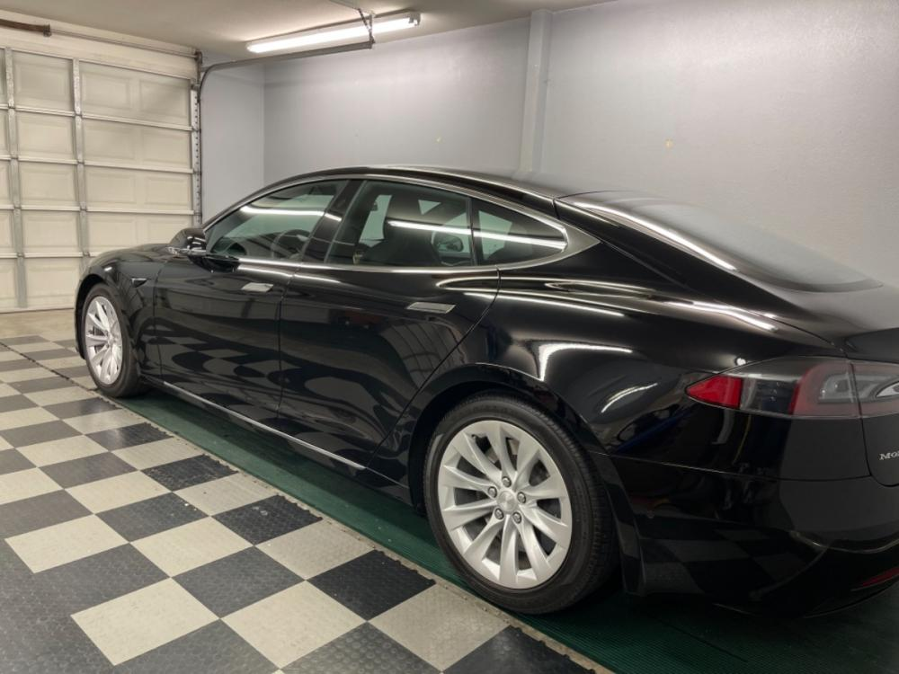 2018 Black /Black Leather Tesla Model S 100D (5YJSA1E2XJF) with an ELECTRIC engine, Automatic transmission, located at 9900 Woodway Drive, Woodway, TX, 76712, (254) 751-1444, 31.493961, -97.228523 - Photo #4