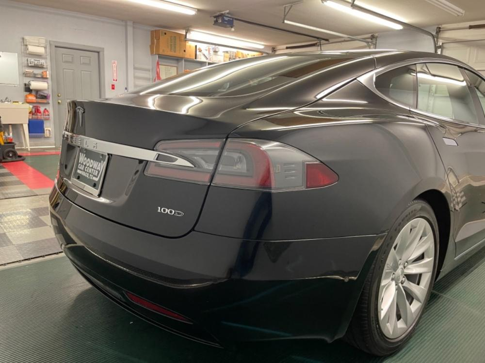 2018 Black /Black Leather Tesla Model S 100D (5YJSA1E2XJF) with an ELECTRIC engine, Automatic transmission, located at 9900 Woodway Drive, Woodway, TX, 76712, (254) 751-1444, 31.493961, -97.228523 - Photo #6